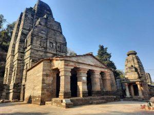 कटारमल सूर्य मंदिर
